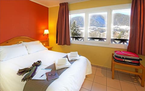 Comfortable and nice apartment with mountain views