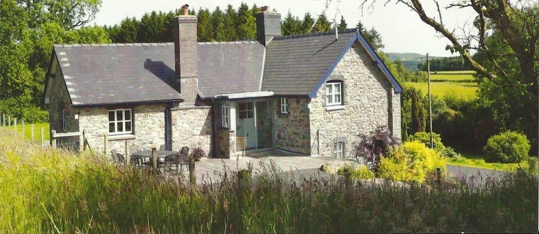 Lane Cottage - Llanyre - Casa