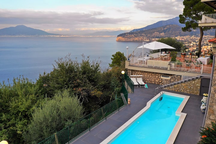 Private villa with swimming pool near Sorrento