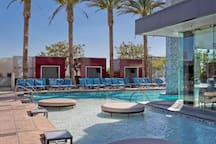 Complimentary access to Palms Place pool year round