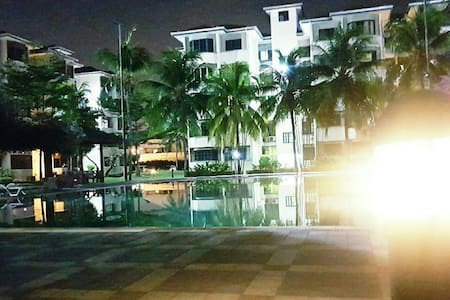 Sunway & Subang Apt - Convenient  - Subang Jaya