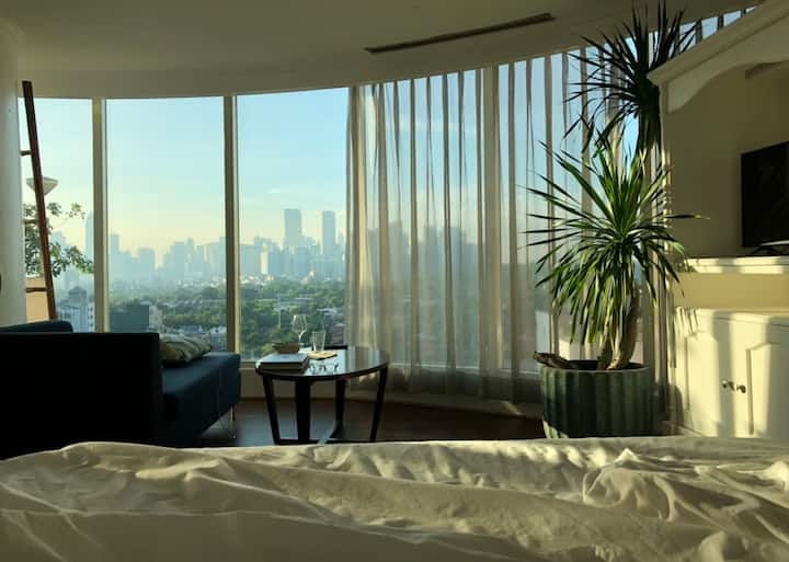 Makati Glass House w/ Stunning View