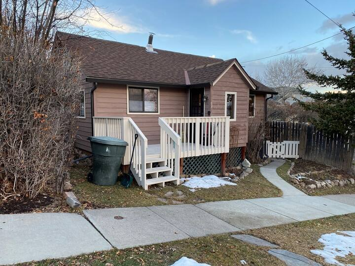Bungalow close to downtown and trails