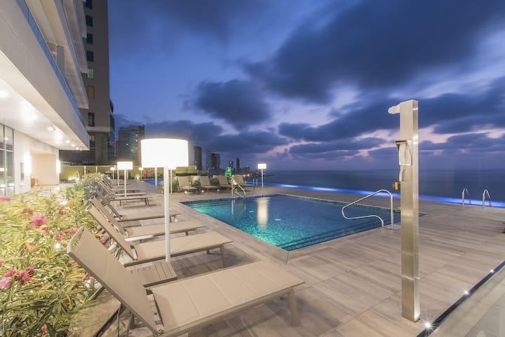 Luxe h2Condo-next to Hyatt-Bayfront 1901 Cartagena