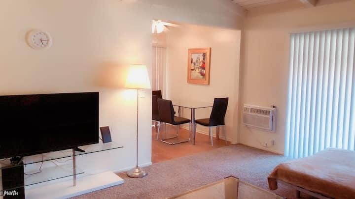 30 Comfort 1bedroom/1bath 7 mins drive to Disney