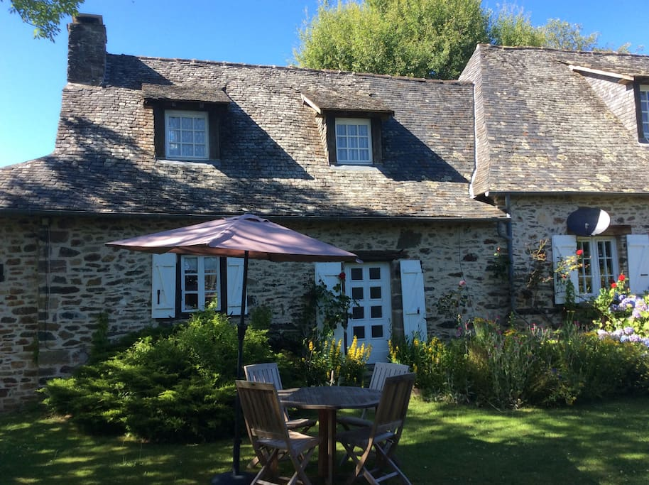 Accommodation includes a separate private garden for guests with outdoor furniture