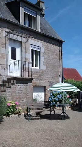 Mesnil Cottage - Calvados - Hus
