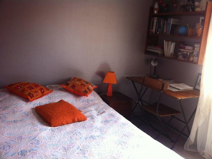 1 chambre dans maison calme,  bus, commerces