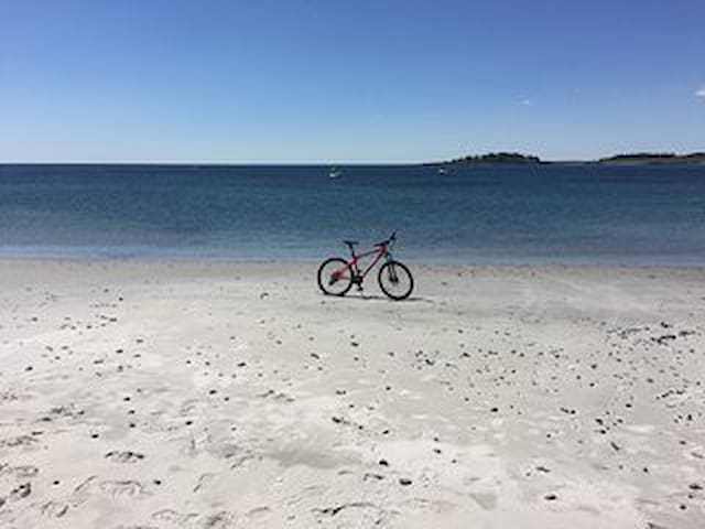 Beach, Trails, Kayak, Bikes, Hammock @ Kettle Cove