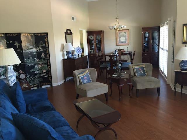 Luxury, bright, renovated, 3BR Condo, accessible
