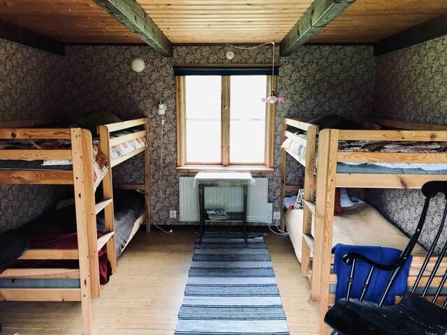 Två våningssängar