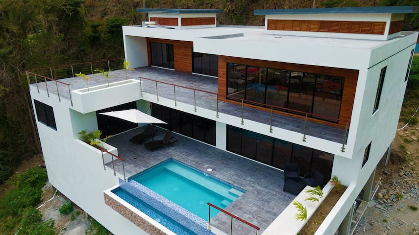 ★ Saba Villa★New!! $1M Piton & Ocean Views!!