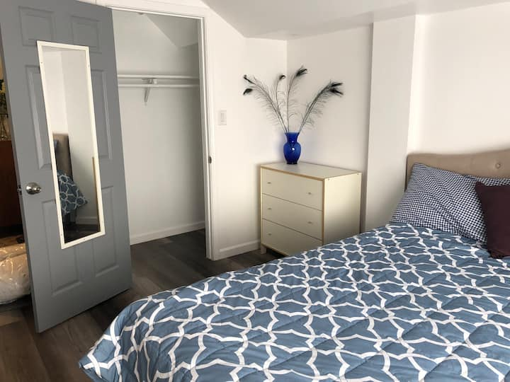 Cozy Private Bedroom in Daly City