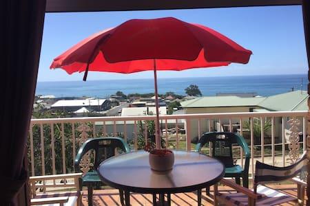 Penguin Seaside Homestay - 180 degree ocean views - Penguin - Oda + Kahvaltı