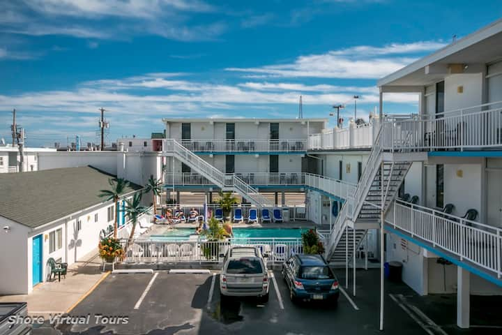 Riviera Resort & Suites - Wildwood - C - Whirlpool Unit