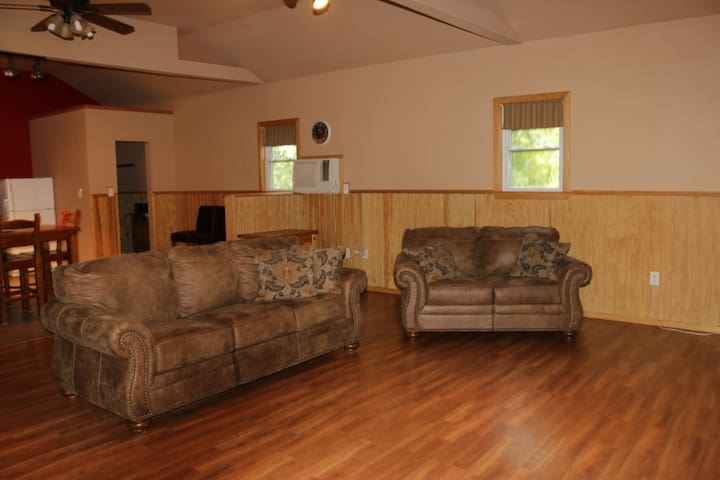 Dallas Springs Cabin