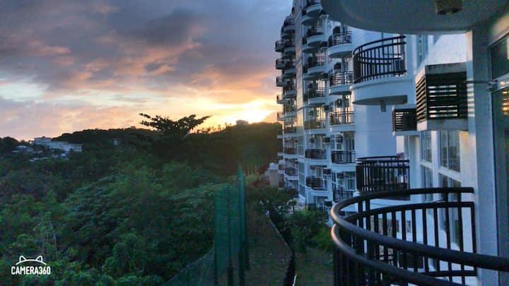 Affordable 1BR, few steps to SAVOY HOTEL