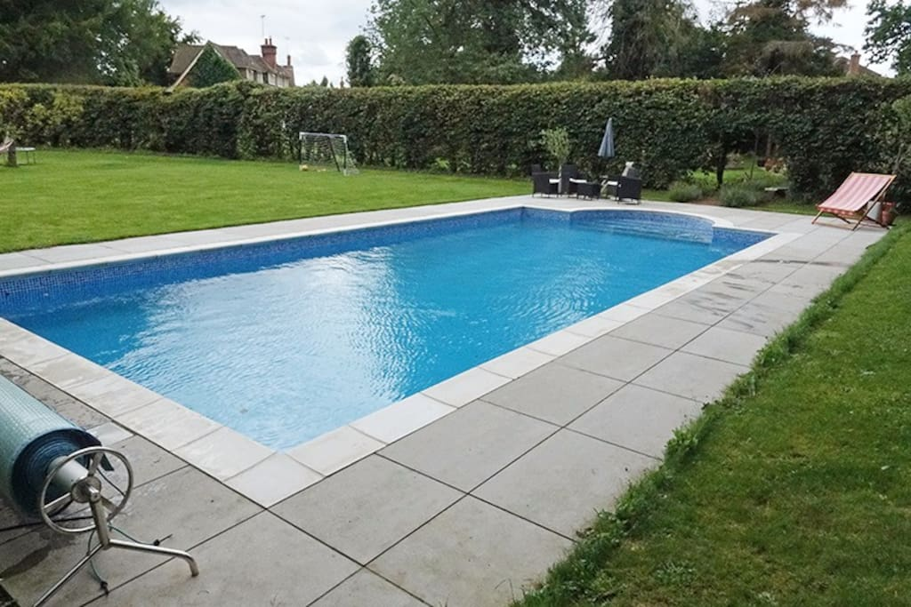 Heated pool May to Sept ( use by arrangement)