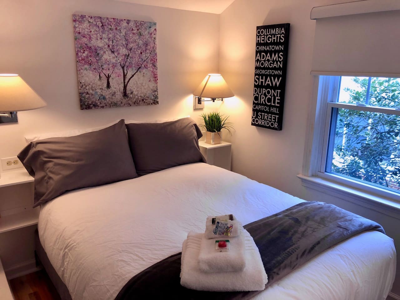 Private, fully renovated room with all the touches of home. Guests consistently comment on the super comfortable double bed.