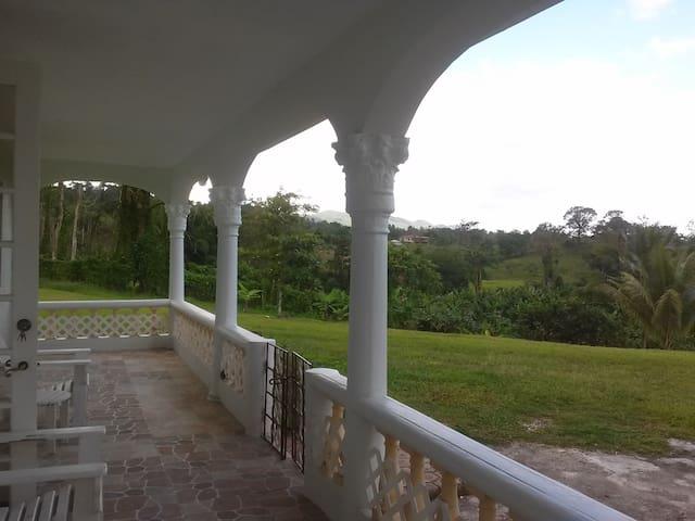 Seaford Town, Westmoreland: Jamaica - Seaford Town - Apartment