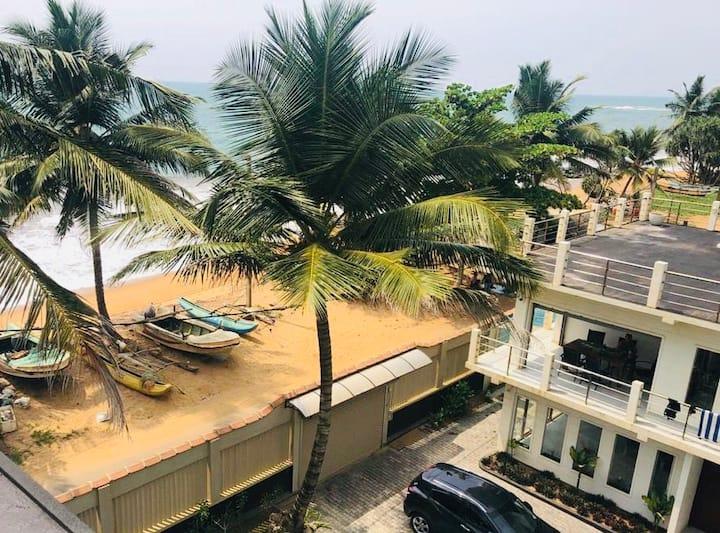 Oasis Beach Villa