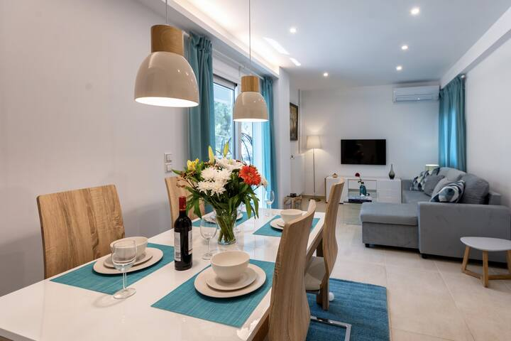 Lux 1-bedroom apartement next to the sea in Voula