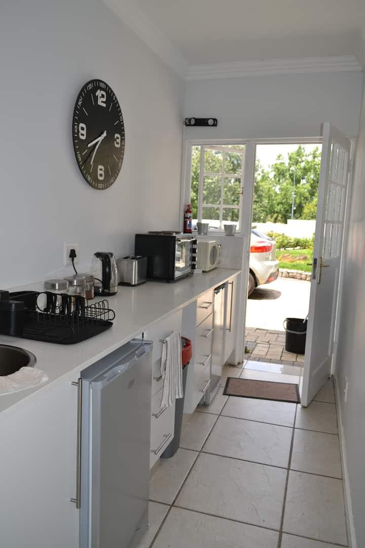Galnar Residential Suite 2B