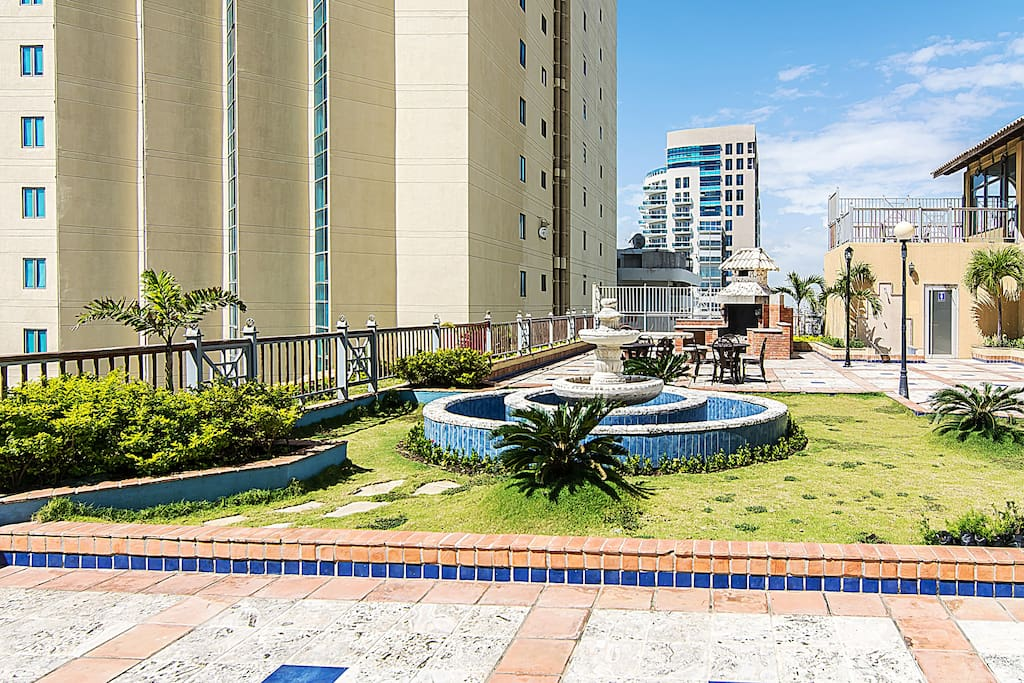 Cozy apartment in malecon center flats for rent in santo for Piso 9 malecon center