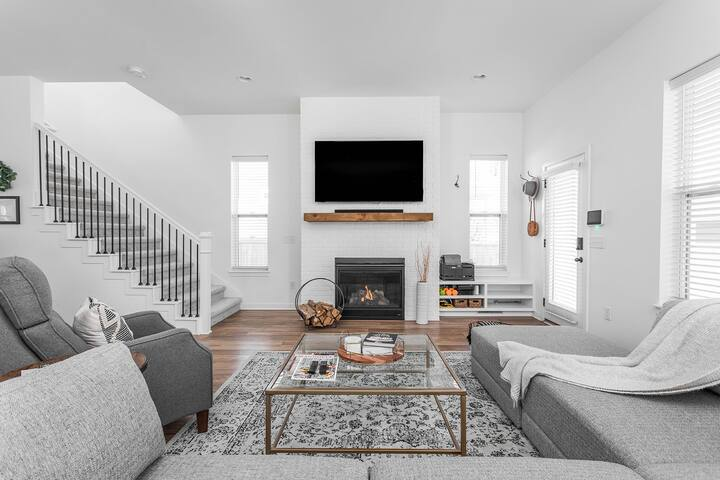 Brand New Home Downtown Indy |4 Mins From Mass Ave