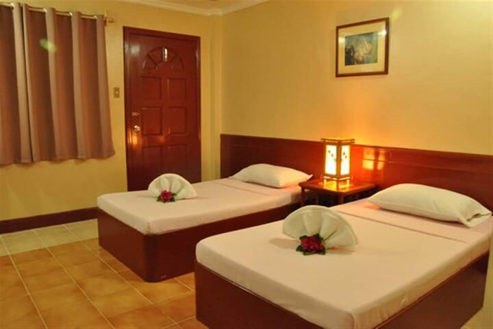 Elegant Superior Room 2