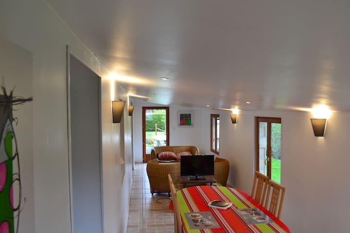 chambre chez l'habitant - Grainville-la-Teinturière - House
