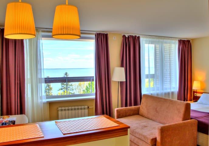 Отель на берегу залива в Репино