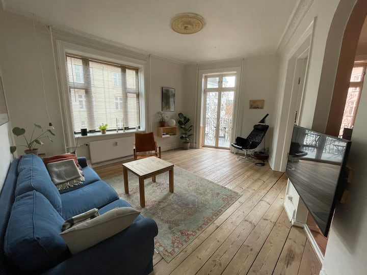 80sq.m. flat in Vesterbro w/ balcony & amazing bed