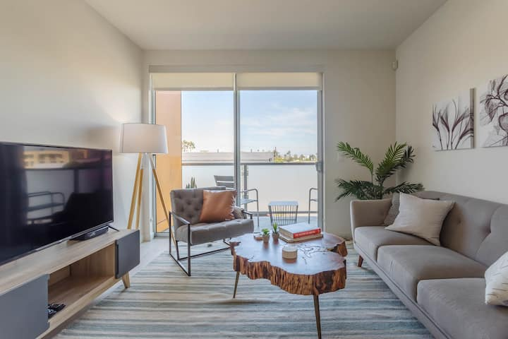 Gem! 2-Bedroom In Downtown Santa Monica