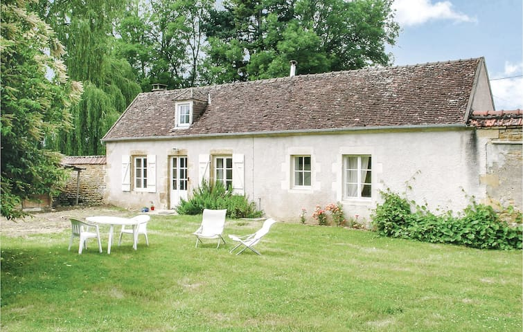 Holiday cottage with 1 bedroom on 47m² in St. Jean Aux Amognes