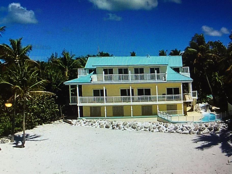 Murphy's Paradise 4 bedroom 3.5 bath private beachfront 1 acre estate