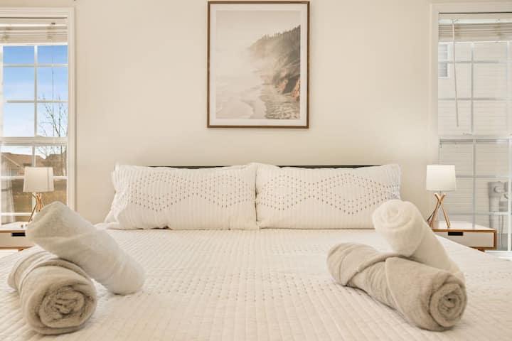 ♚King Bed|Near HWY 24|Fenced Back Yard|