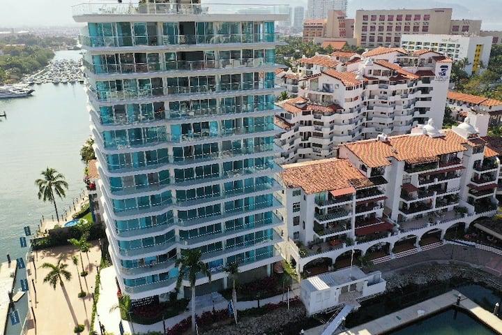 Nuevo y moderno loft en La Marina Puerto Vallarta