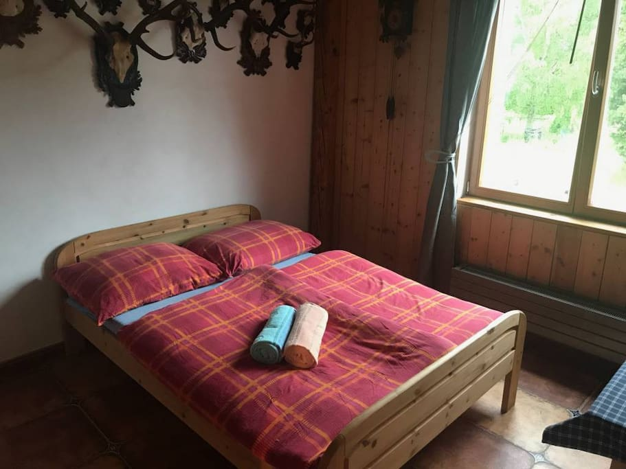 Room A - 1x Double bed