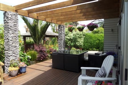 Peaceful Retreat within 5 min drive CBD. - Tauranga - Dom