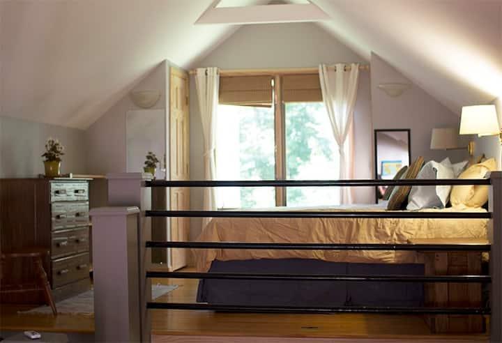 Unique Loft Apartment Steps From Campus