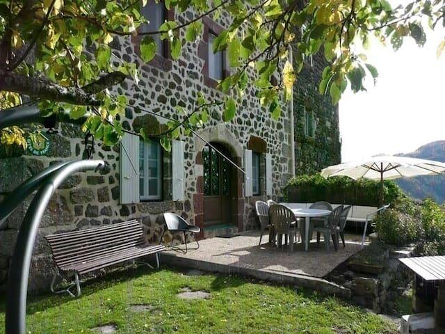 GÎte sur la Vallée: 3 chambres, terrasse, vue XXL