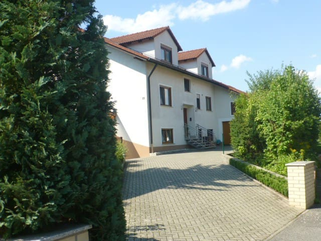 Abseits von Lärm und Verkehr - Litzendorf - Apartment