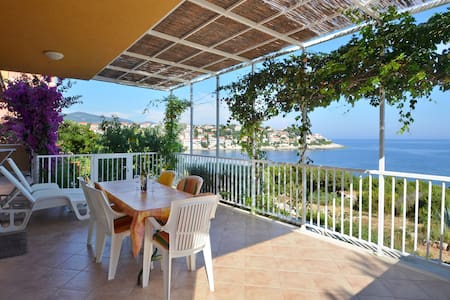 HOUSE**** by the sea Korcula island - Čara