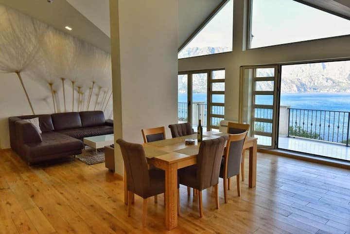 Luxury 170 m2 PENTHOUSE - Fabulous Sea View