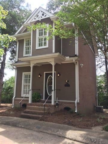 Jefferson Place Garden Home