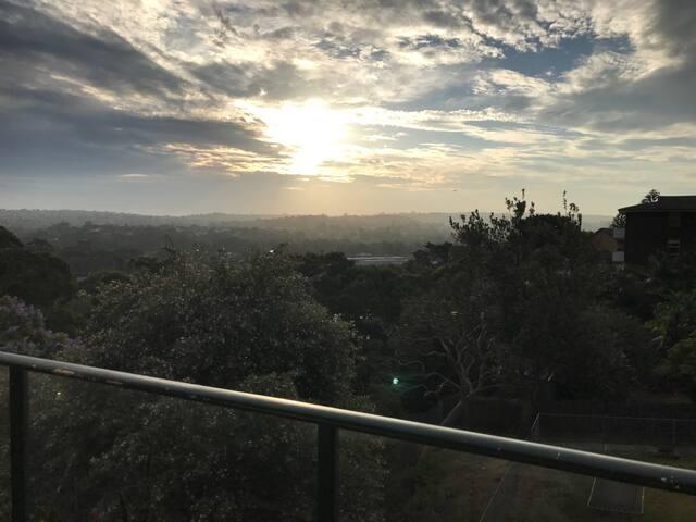 Amazing views, sunny & spacious pad in Freshwater - Freshwater - Apartamento