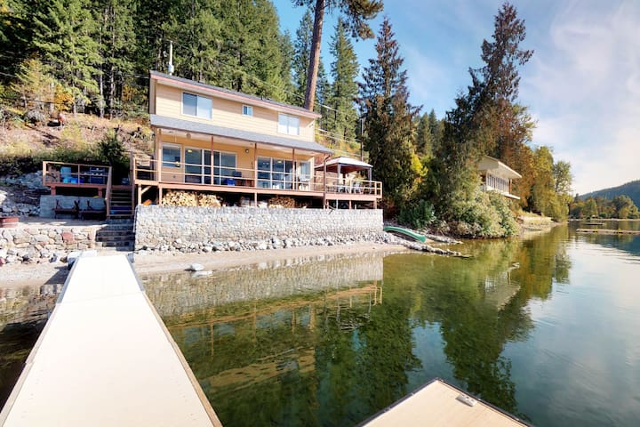 Family-friendly, lakefront home w/ a private dock, grill, & paddle boards!