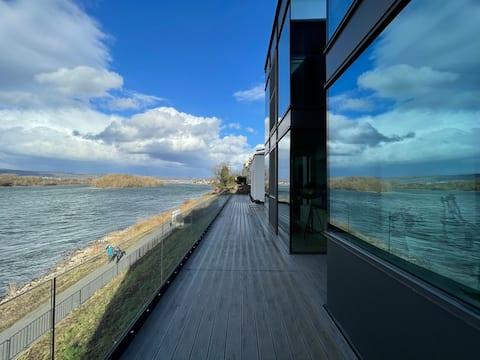 Apartamento moderno com uma bela vista para o Reno