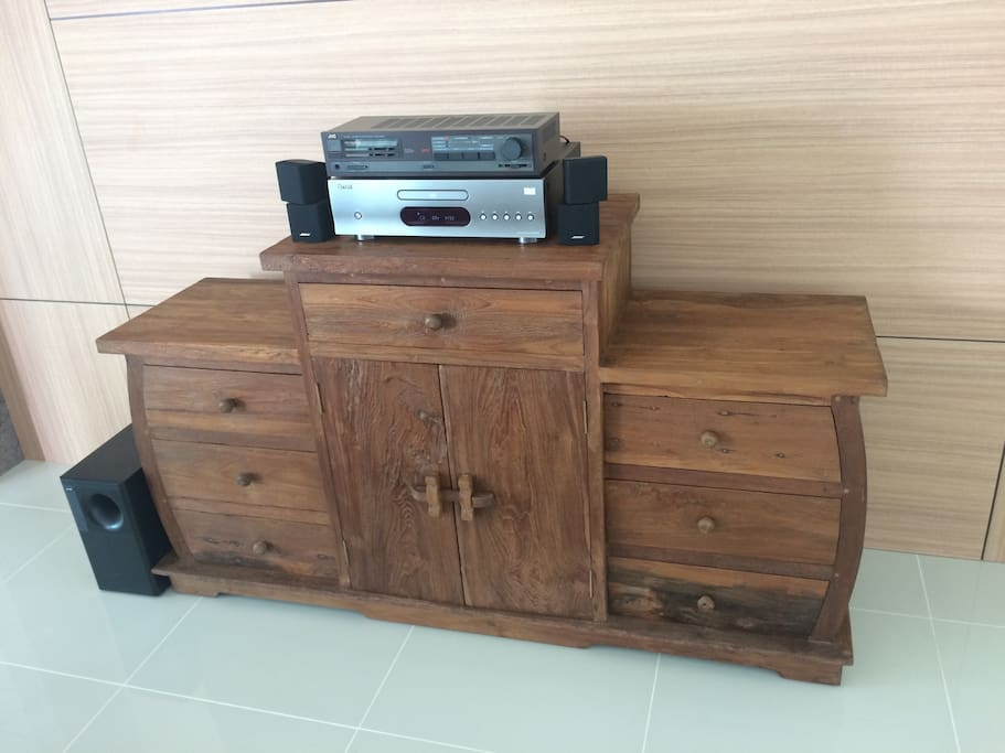 Stereo system with Bose speakers